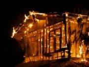 brennende Werkstatt